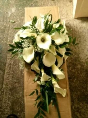 bridal calla bouquet