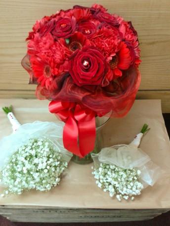 brides/bridesmaids bouqeuts
