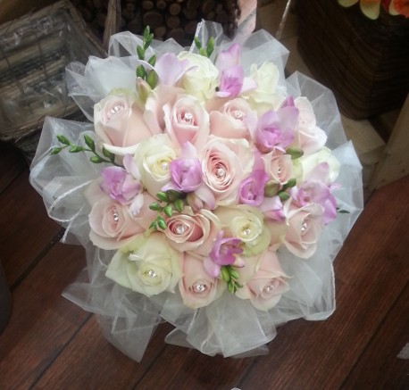 sweet avanlanche bridal bouquet