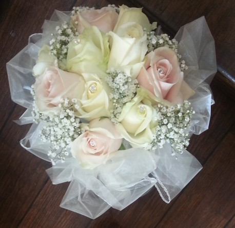 bridesmaid sweet avalanche bouquet